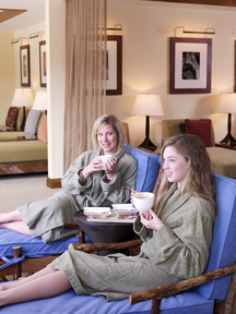 Stowe Mountain Lodge, mother_and_daughter_in_spa_relaxation_lounge